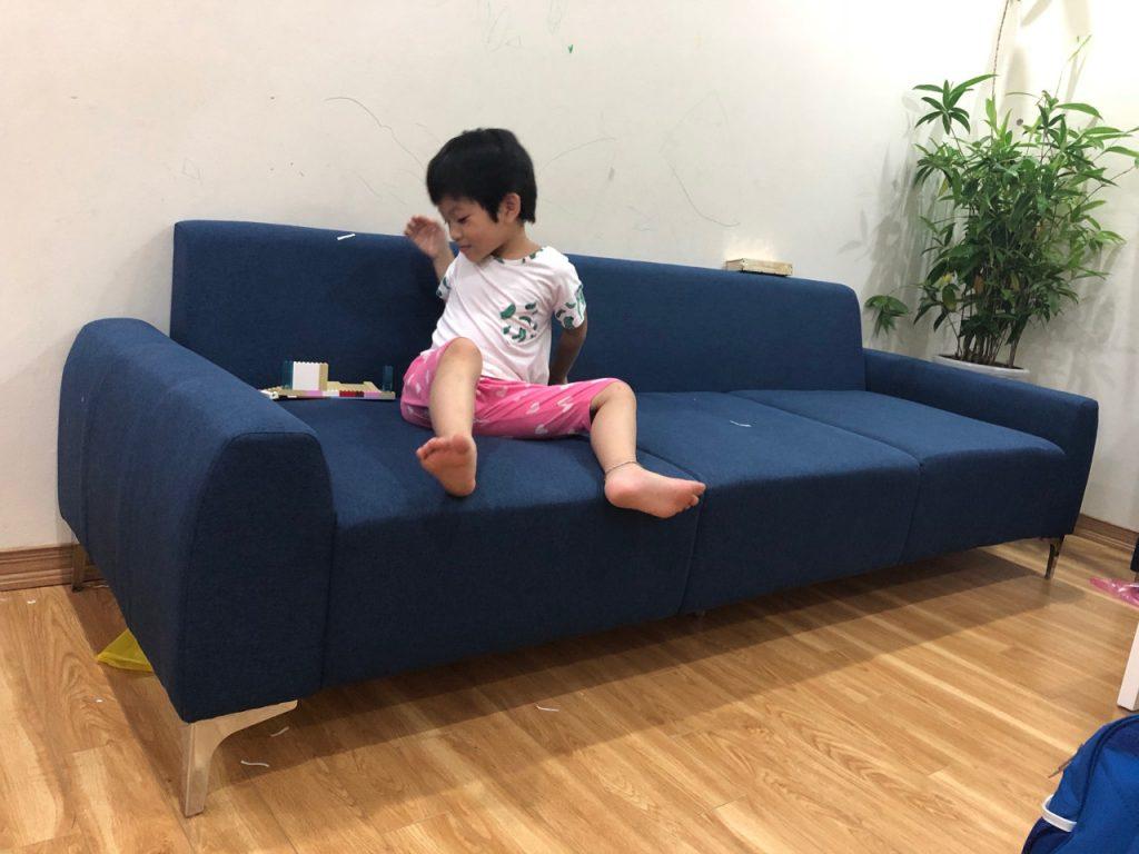 Bạn có thể lựa chọn sofa văng của Lương Sơn để tiết kiệm diện tích ngôi nhà